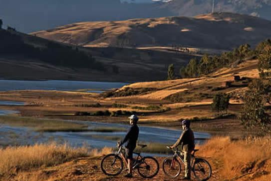 Ciclismo en las 4 lagunas y paisajes andinos