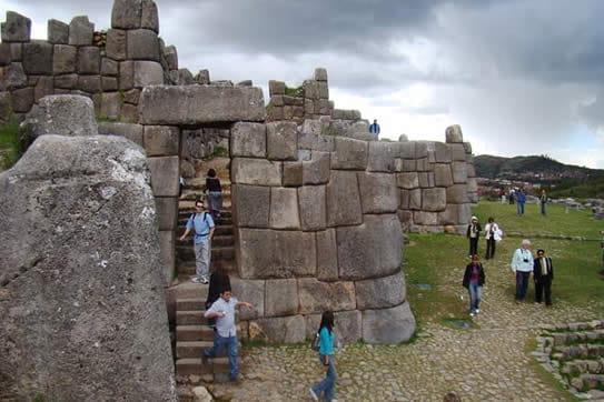 viaje de promoción a Cusco en 6 días y 5 noches lost city travel, Sacsayhuaman